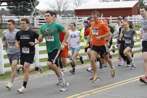 Ecohusky 5k runners