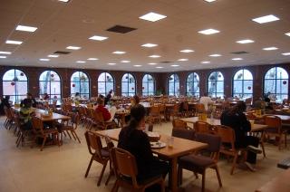 http://dailycampus.com/stories/2015/8/30/uconn-dining-halls-freshmen